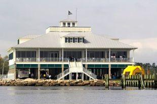 Bay Waveland Yacht Club
